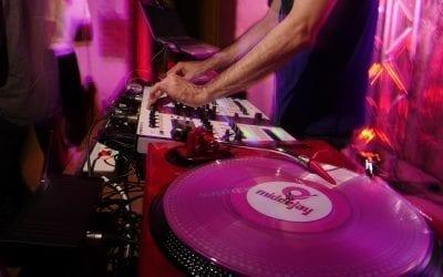 DJ que pinche con vinilo