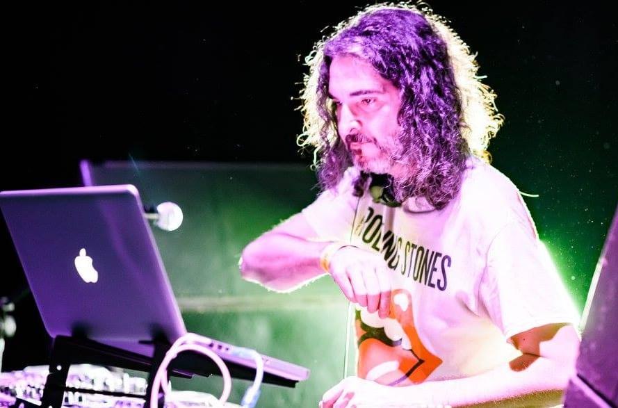 Jesús García es uno de nuestros DJ´s más polifacéticos y experimentados, destacando una amplia trayectoria en la radio y eventos de gran relevancia. Actualmente tiene un programa que dirige con gran éxito en Rock FM